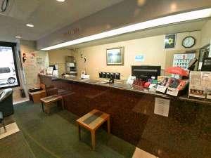 綾瀬国際ホテル:フロントご案内カウンター