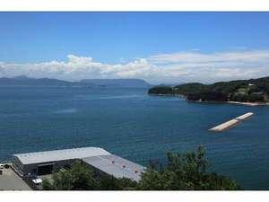 宿からの景色は、海からの風を感じ瀬戸内海を一望出来る。