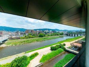 【スーペリア鴨川ツインからの眺望】お部屋の位置によって見え方は異なります