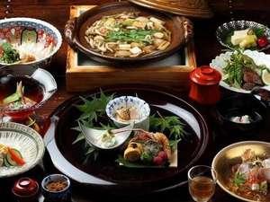 旅籠 かやうさぎ:【夕食一例:一式】地元のお野菜をふんだんに使用した創作和会席、全10品。