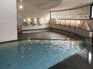 遊彩の樹(ゆうさいのもり):晴れた日には富士山も望める大浴場。 サウナ完備