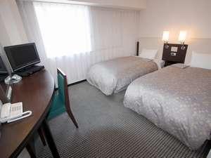 高岡マンテンホテル駅前:シンプル&スタイリッシュなお部屋でくつろぎのひとときを・・
