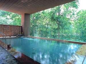 ニセコ昆布温泉 ホテル甘露の森:四季折々の景色に癒される 森の天空露天風呂