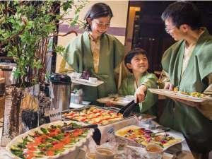 ニセコ昆布温泉 ホテル甘露の森:『選ぶ楽しさ』を合わせたハーフビュッフェスタイル
