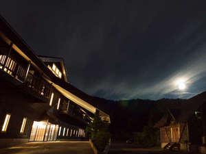 青森県八甲田に佇むHOTEL Jogakuraの幻想的な夜景