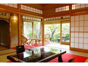 伊古奈荘:露天風呂付き特別室(一例)