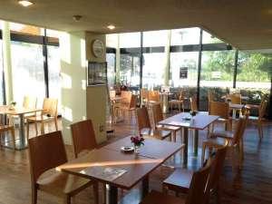 びわこ楽園ホテル井筒:喫茶「カフェテリア」