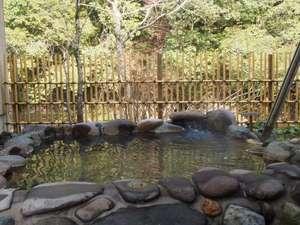 北郷 音色香の季 合歓のはな:寒の内のいちばんのご馳走は芯から温まる温泉!猪八重渓谷の絶景を望む客室露天風呂
