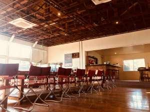 シラハマ校舎:レストランとシェアキッチンスペースは天井高の開放感ある空間です。