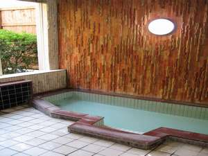 衣笠温泉旅館:お風呂(朝は6:30より深夜は10:30までのご利用となります。ご了承下さい。)