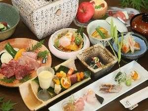 湯布院山荘 吾亦紅:季節感溢れる会席料理