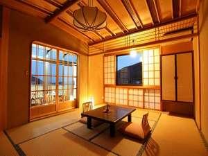 天然温泉100%の3種の無料貸切風呂の宿 山水荘:匠こだわりの和風造りの部屋。