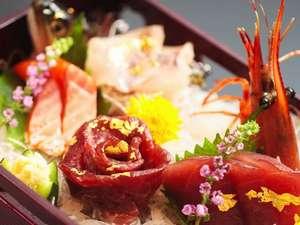 浪漫の館 月下美人:山の食材を中心とした珍しいお造り。