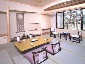 浪漫の館 月下美人:ゆったりとした客室。