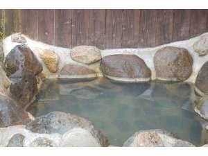 各棟にBBQ設備と温泉付き 温泉コテージ桜の丘:お風呂の一例。各棟に温泉(半露天)がついています♪