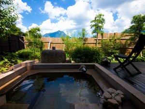 由布の彩 YADOYA おおはし :【温泉】すべての客室には専用の内湯と露天風呂付き。周りを気にせずお二人でごゆっくりと♪