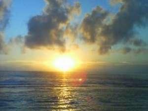 ホテルグランドオーシャンリゾート:徳之島の海から昇る美しい朝日を客室やレストランからもご覧いただけます