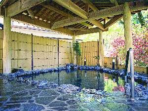 伊東園ホテル四万:大自然を目の当たりにできる露天岩風呂