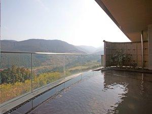 天空の宿 山暖簾:緑一面の景色を望む絶景露天風呂