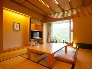 天空の宿 山暖簾:<和室>畳でのんびりと…(客室面積 40㎡)