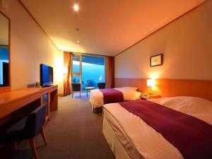 天空の宿 山暖簾:<洋室>朝のお部屋の雰囲気(客室面積35㎡)