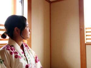 湯ノ本温泉 旅館千石荘:浴衣に着替えたらお部屋でホッとひといき。