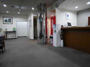 ビジネスホテル伊勢崎ファースト・イン:フロント