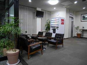 ビジネスホテル伊勢崎ファースト・イン:ロビー