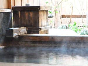 ひのきの半露天+岩風呂