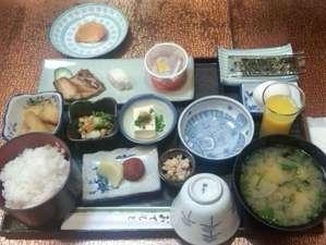 厚狭ステーションホテル:田舎の美味しい手作り朝ごはん和食(ドリンク付)です。パンと卵料理などの洋食もあります。