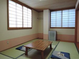 岡口屋:*【和室6畳】テレビ・電話・洗面・暖房を完備しております