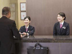 アークホテル広島駅南―ルートインホテルズ―:◇フロントスタッフ◇笑顔でお迎え致します♪