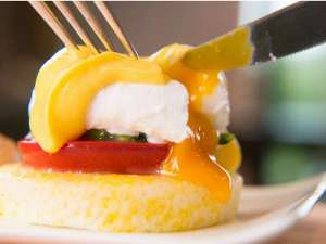ザ ガンジー ホテル&リゾート:当ホテル自慢の朝食『エッグベネディクト』は洋食で登場!
