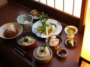 3つの無料貸切風呂・全室禁煙の美食宿 湯田川温泉 珠玉や:料理一例