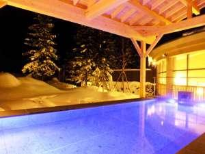 裏磐梯 グランデコ 東急ホテル:2017リニューアル!屋根のある露天風呂だから、快適に雪見風呂が楽しめます(男性用露天風呂)