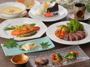 露天・半露天風呂付の宿 日光 ワンモアタイム:ディナー一例。夏季は、自家製野菜たっぷり使用♪