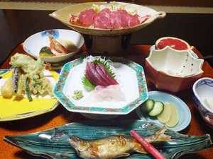 上塩原温泉 源泉かけ流し100%「しわけしの湯」和楽遊苑:*【夕食全体例】新鮮な旬の素材を活かした料理をご用意します。