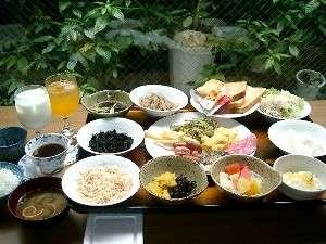 ホテルチュラ琉球:朝からたっぷり朝食和洋ブッフェ