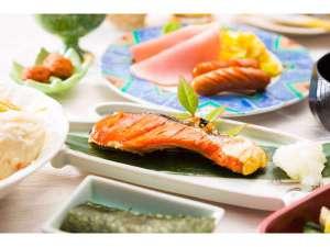 水沢翠明荘:朝食 岩手名物も食べ放題の朝食バイキング