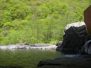 あんきな宿 宝山荘別館:新緑の混浴露天風呂