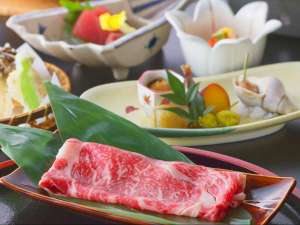 渓谷に佇む源泉湯宿 四万やまぐち館:■基本会席■ブランド肉「上州牛」と「もち豚」。そのブランド肉をいっぺんに味わえる基本会席。