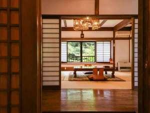 嵯峨塩鉱泉嵯峨塩館:*【客室一例(1階ぶな)】1部屋ごとに異なる造り、古民家ならではの素朴さなど、どうぞお楽しみください。