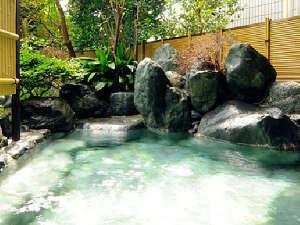 游心楼 山へい:露天風呂(白梅の湯)
