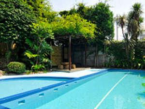 夏季のみオープン屋外プール