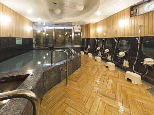 大浴場のあるビジネスホテル ホテル港屋:男性大浴場/高知県ビジネスホテル最大級の大浴場は一日の疲れが癒やされると好評です!