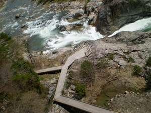 渓流の宿緑水