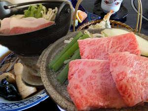 あったかぼたん鍋&やわらかな国産牛の陶板焼き。ボリュームたっぷり、贅沢なお料理をお楽しみください。