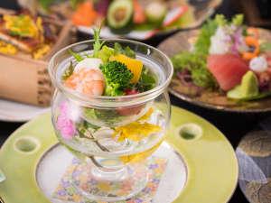 阿蘇プラザホテル:料理長による素敵な盛り付けに目を奪われます♪