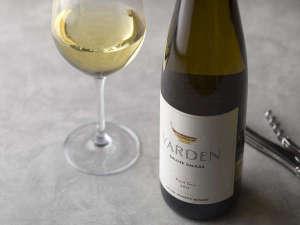 お食事と一緒にお楽しみいただけるワインもご用意しております。(イメージ)