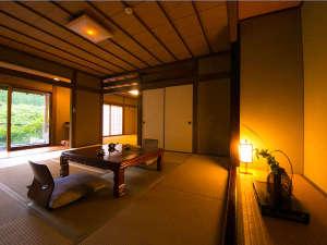 【本館】自然体のままで季節感を大切にした全12棟の本館客室。